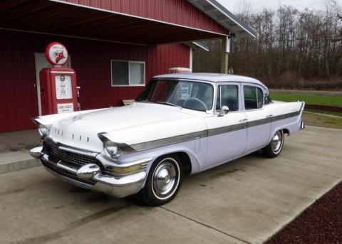 1957 Packard Clipper Town Sedan na prodej