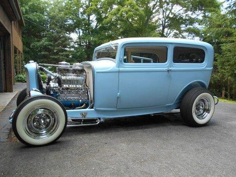 1932 Ford 2-door Sedan na prodej