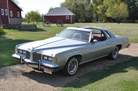 1976 Pontiac Grand Prix SJ na prodej