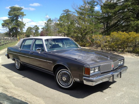 1984 Oldsmobile Ninety-Eight Brougham na prodej