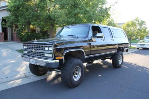 1990 Chevrolet Suburban na prodej