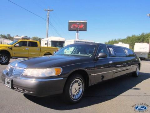 1999 Lincoln Town Car Executive na prodej