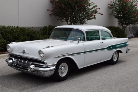 1957 Pontiac Chieftain na prodej