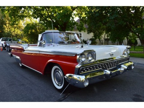 1959 Ford Galaxie Sunliner na prodej