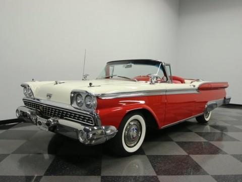 1959 Ford Skyliner na prodej
