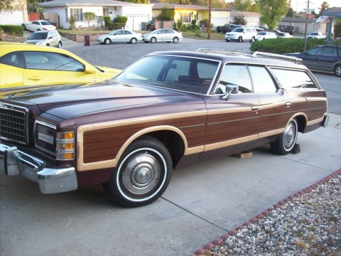 1977 Ford LTD Country Squire na prodej