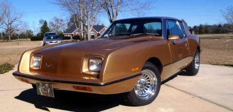 1987 Studebaker Avanti na prodej