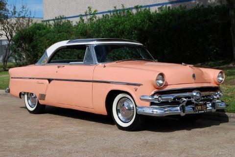 1954 Ford Crestline na prodej