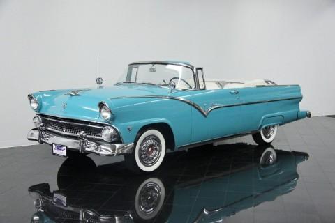 1955 Ford Fairlane Sunliner na prodej