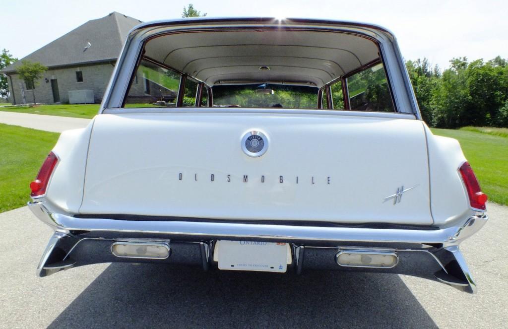 1961 Oldsmobile Dynamic 88 Fiesta