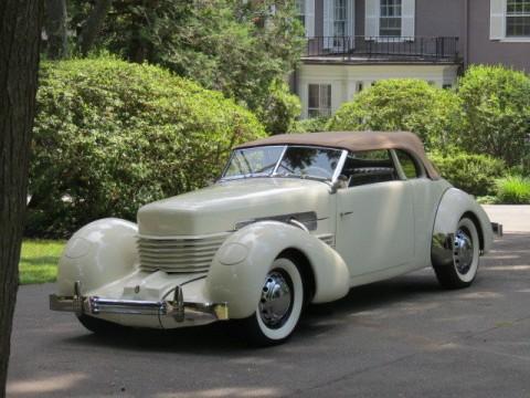 1937 Cord 812SC na prodej