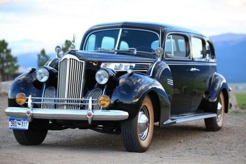 1940 Packard Touring Sedan na prodej