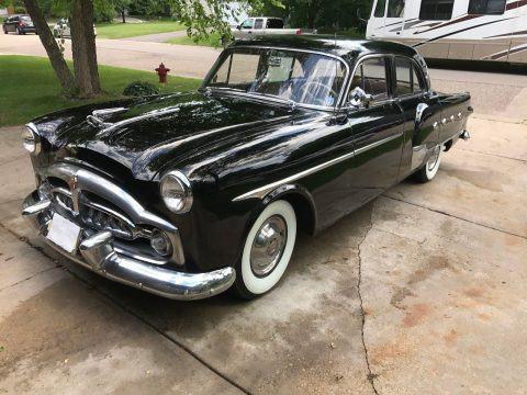 1952 Packard 400 na prodej