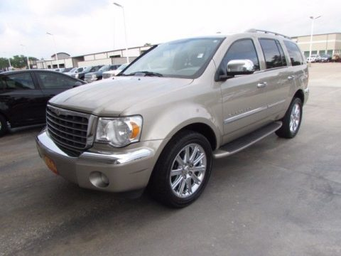 2008 Chrysler Aspen na prodej