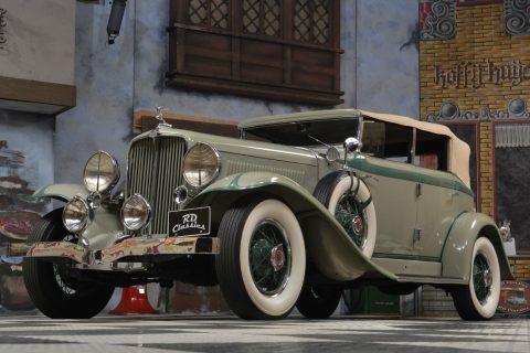 1933 Auburn G80 Phaeton Sedan na prodej
