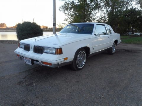 1987 Oldsmobile Cutlass na prodej