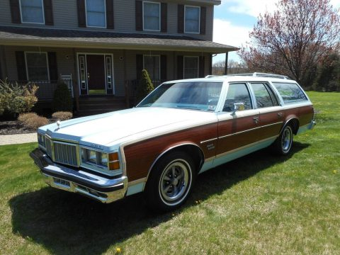 1978 Pontiac Safari Wagon na prodej