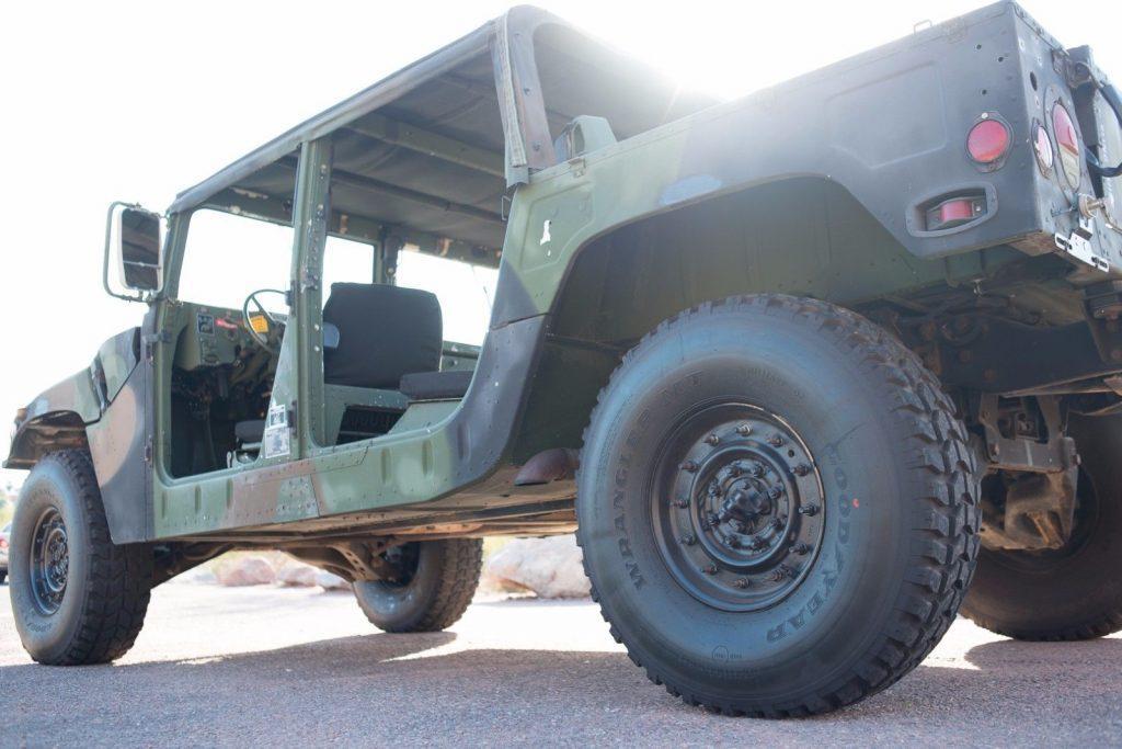 1989 Hummer H1