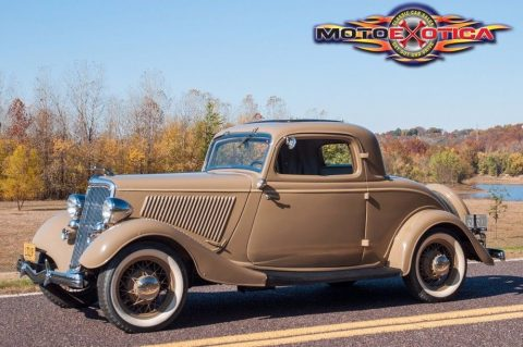 1934 Ford Deluxe Three Window Coupe na prodej