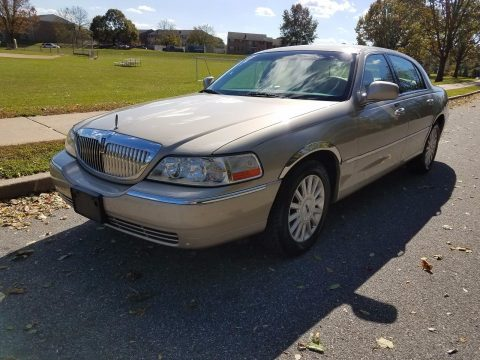 2005 Lincoln Town Car na prodej
