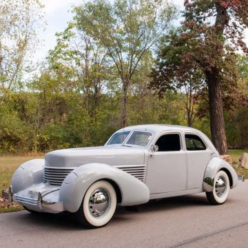 1937 Cord 810 na prodej