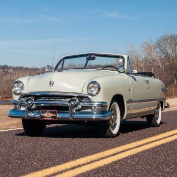 1951 Ford Custom Deluxe na prodej