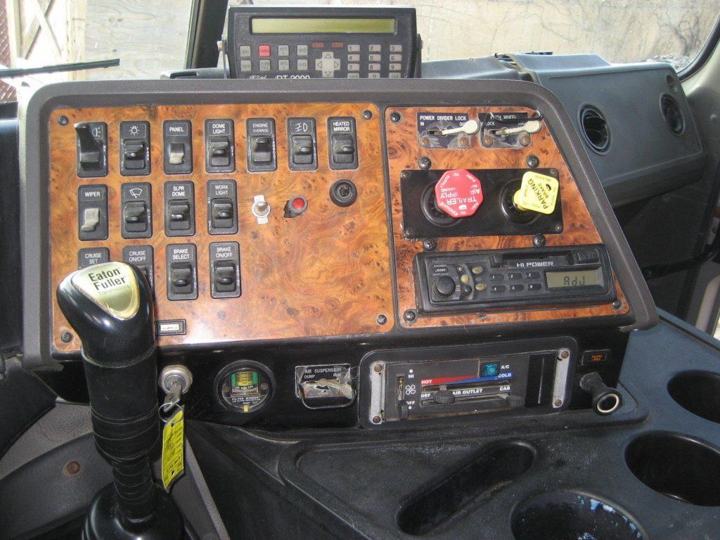 1999 International 9800