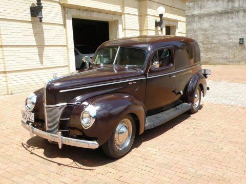 1940 Ford Deluxe Sedan na prodej