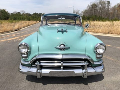 1952 Oldsmobile Ninety-Eight Holiday na prodej