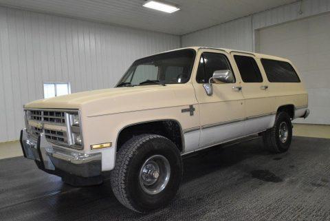 1987 Chevrolet Suburban na prodej
