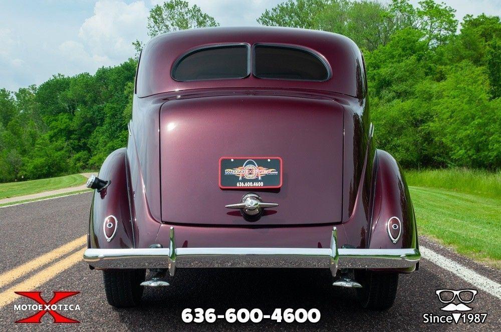 1938 Ford Tudor Deluxe