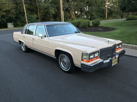 1989 Cadillac Fleetwood Brougham na prodej