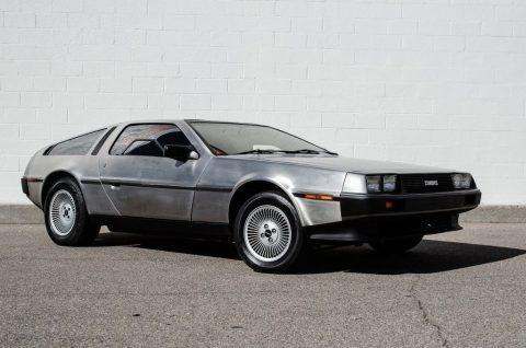 1981 DeLorean DMC-12 na prodej