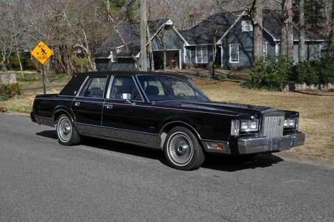 1987 Lincoln Town Car na prodej