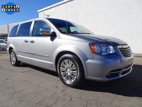 2015 Chrysler Town & Country na prodej