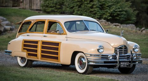 1949 Packard Deluxe na prodej