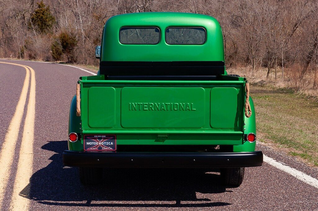 1952 International Harvester R-110