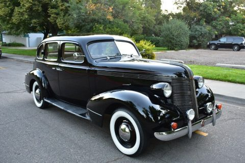 1937 Pontiac Deluxe na prodej