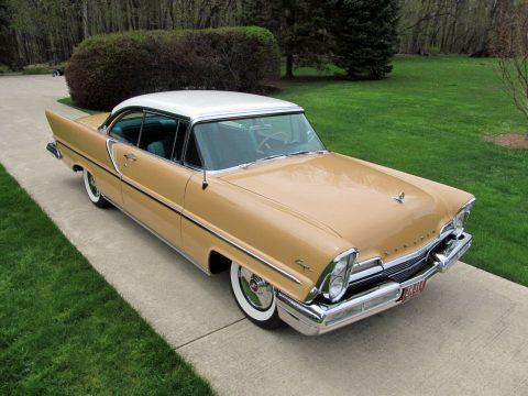 1957 Lincoln Capri na prodej