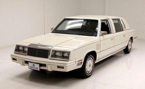 1985 Chrysler Executive Limo na prodej