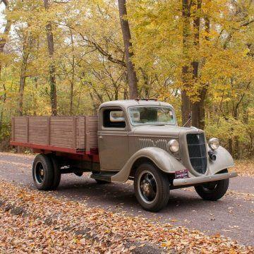 1935 Ford Model 51 na prodej