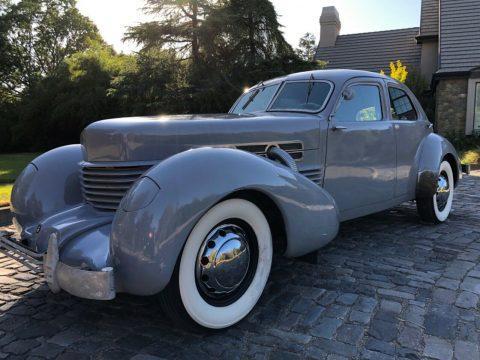 1937 Cord 812 na prodej