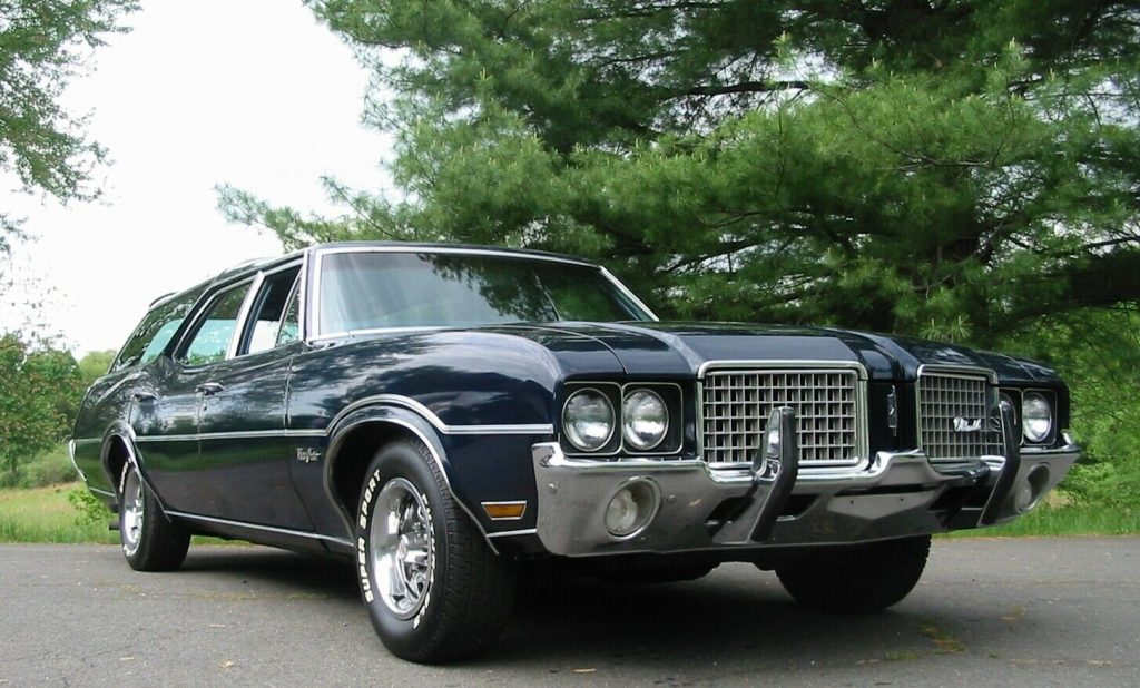 1972 Oldsmobile Cutlass Vista Cruiser