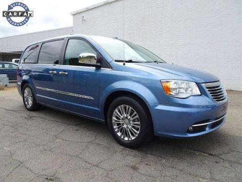 2011 Chrysler Town & Country na prodej