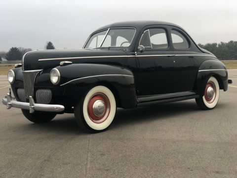 1941 Ford Deluxe na prodej