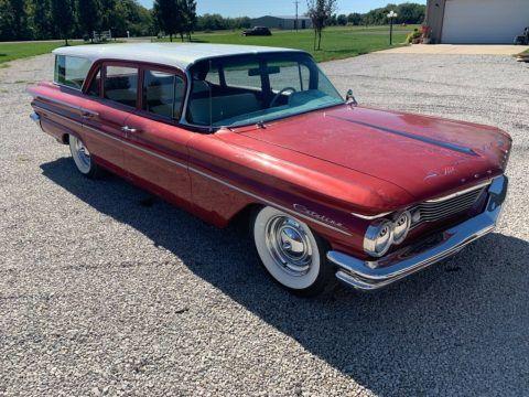 1960 Pontiac Safari na prodej