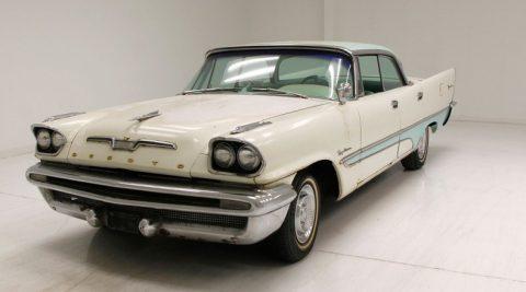 1957 DeSoto Firedome na prodej