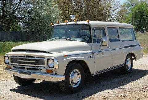 1968 International Harvester Travelall na prodej