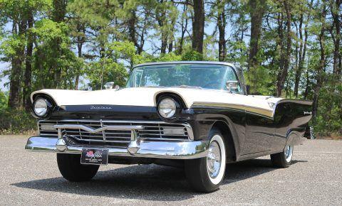 1957 Ford Fairlane na prodej