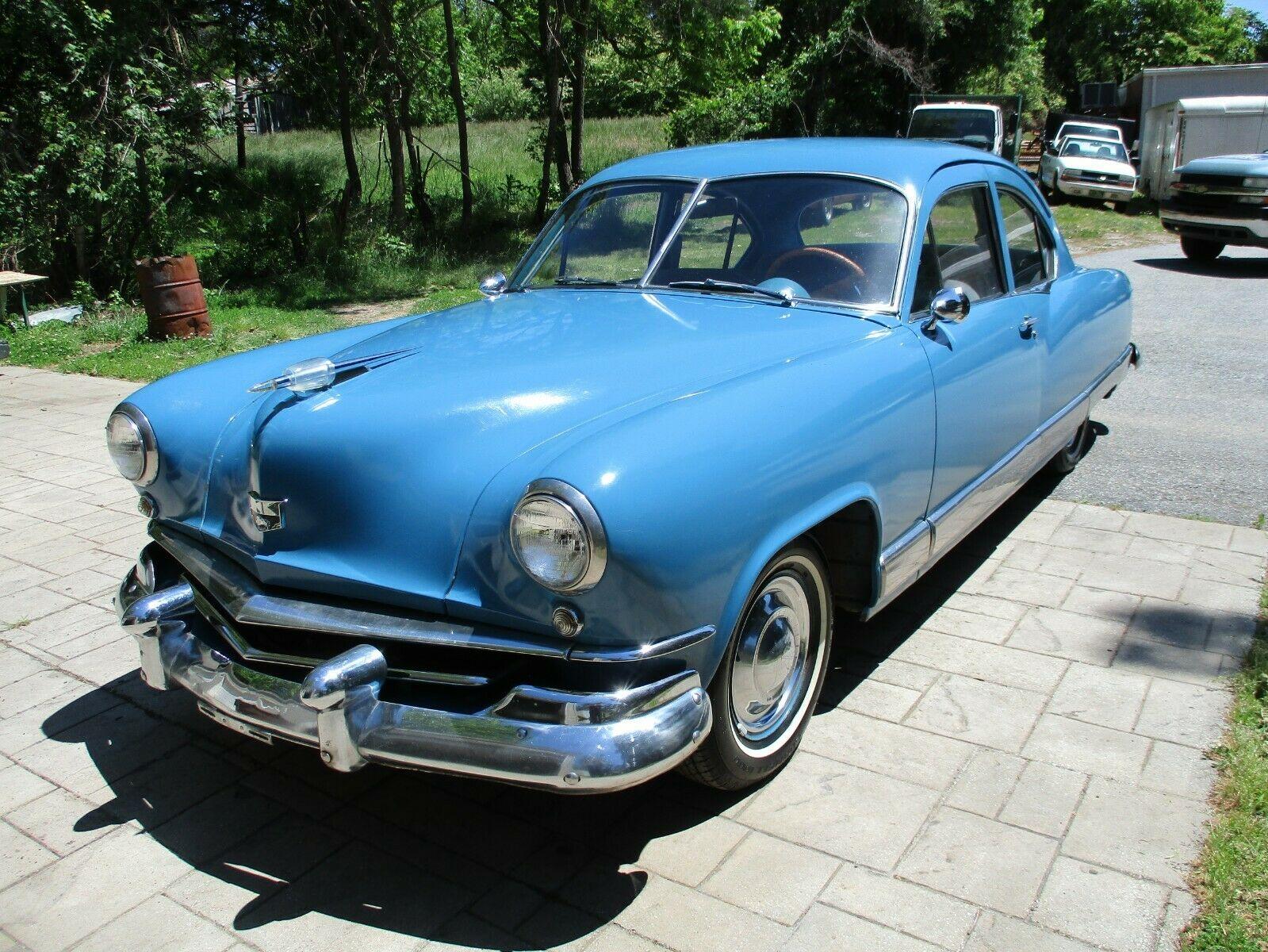1951 Kaiser Deluxe na prodej
